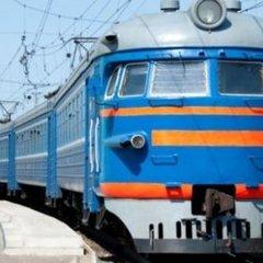 Минулої ночі у Львівській області троє людей потрапили під потяги