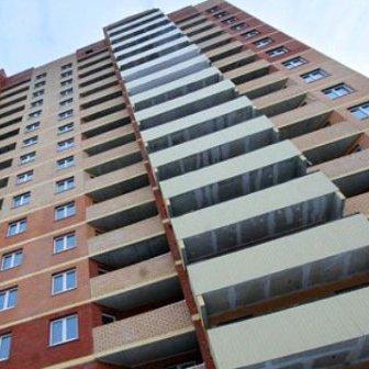 За незрозумілих обставин у Варшаві з вікна багатоповерхівки випав українець