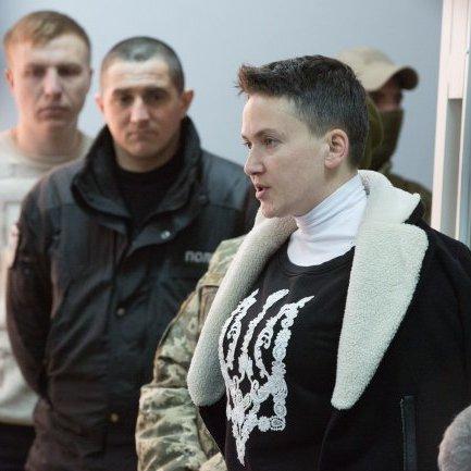 Савченко повезли в клініку на обстеження