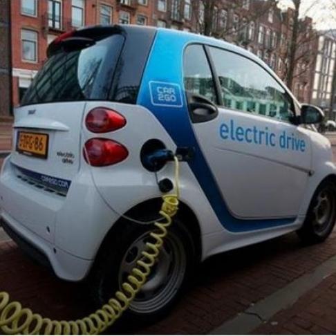 Кількість ввезених в Україну електромобілів зросла втричі