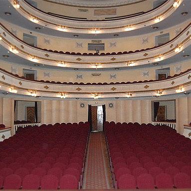У Дніпрі театр скасував російськомовну виставу після погроз «Правого сектора»