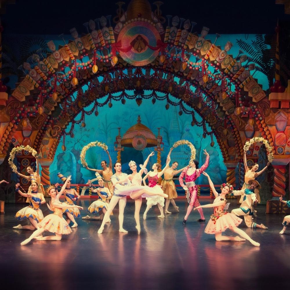 Театр у Дніпрі скасував виставу російською мовою через загрозу зриву