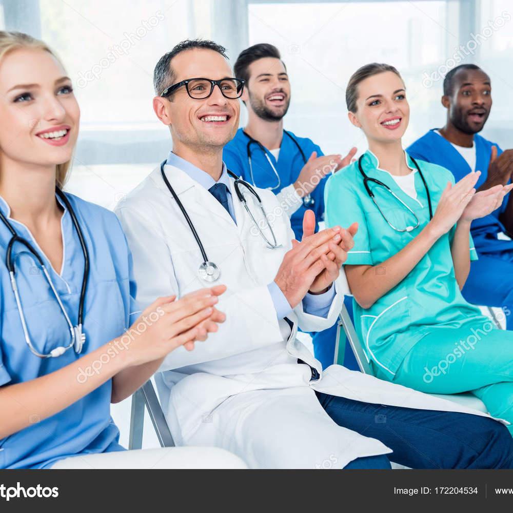 У Польщі можуть спростити працевлаштування для лікарів з України