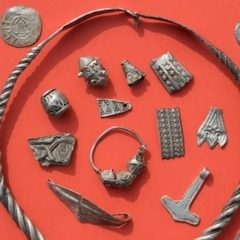 На німецькому острові у Балтійському морі знайшли 1000-річний скарб вікінгів (фото)