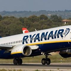 Порошенко не виключив, що Ryanair почне літати в Україну раніше