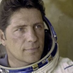 Помер відомий український космонавт Володимир Ляхов