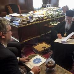 Вселенський Патріархат підтвердив початок створення автокефальної церкви в Україні (відео)   Детальніше читайте на УНІАН: https://www.unian.ua/politics/10090