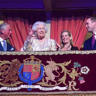 Єлизавета ІІ відсвяткувала 92-річчя мультизірковим концертом (фото)