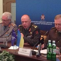 Україна має реструктуризувати Збройні сили, - НАТО