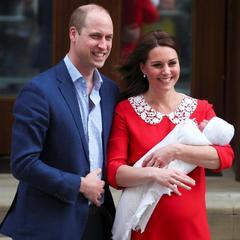 Принц Вільям і Кейт Міддлтон показали публіці новонародженого сина (фото)