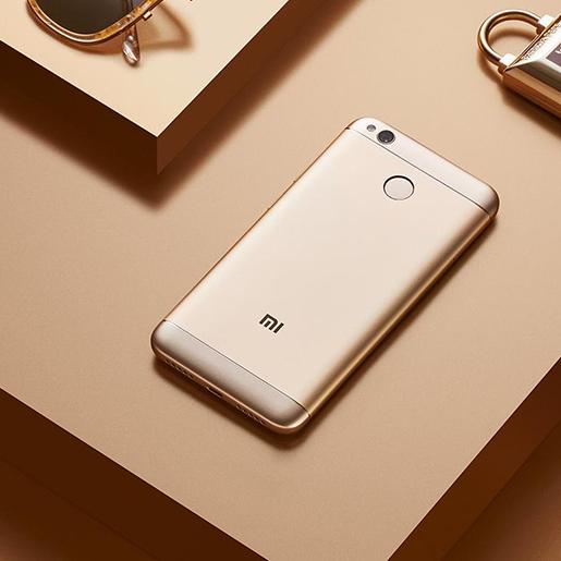 Божевільні фанати Xiaomi: сім'я назвала власну дитину на честь компанії