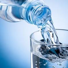 У Києві зафіксували масове отруєння водою: 19 людей госпіталізували