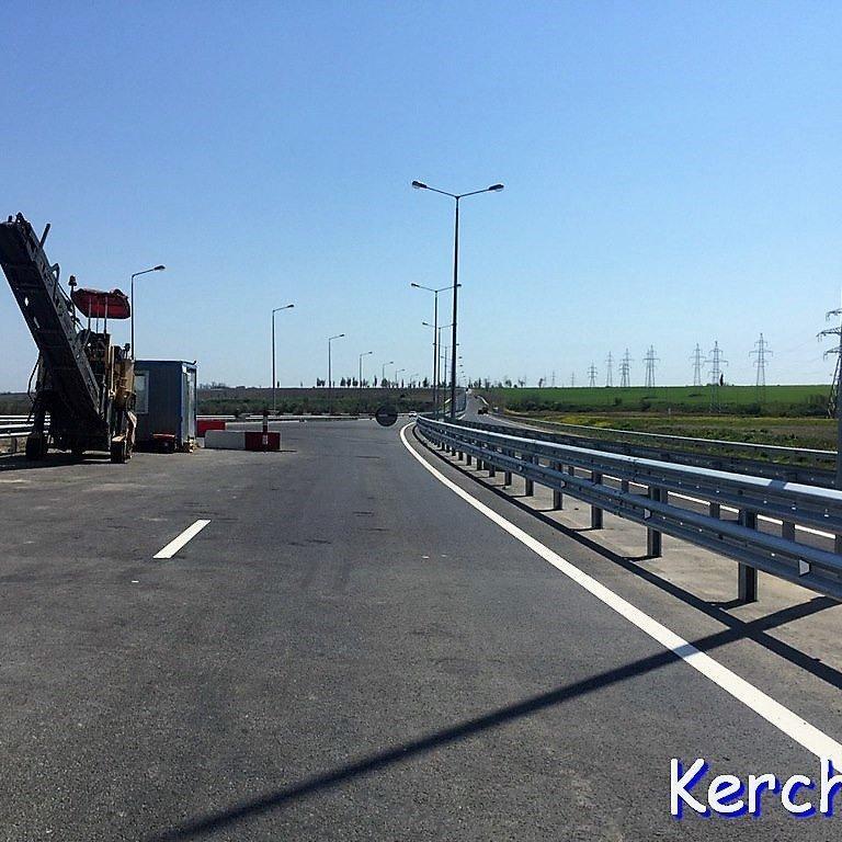 Окупанти розповіли, як запускатимуть рух по Кримському мосту (фото)