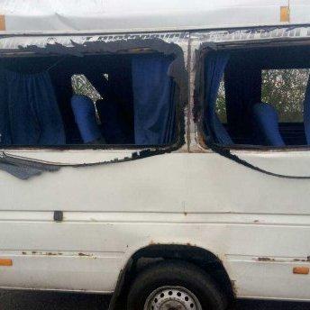 На Дніпропетровщині перекинулася маршрутка: пасажири та водій госпіталізовані
