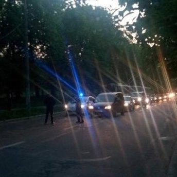 У Львові електроопора впала на дорогу: є жертви (фото)