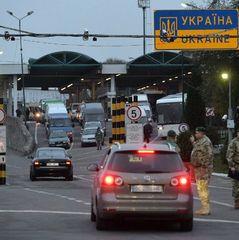 Натовп і бійки: українські заробітчани штурмують кордон перед травневими святами