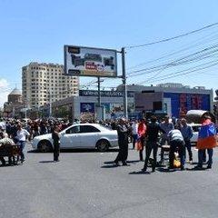 У найбільших містах Вірменії тривають протести, в Єревані паралізовано рух