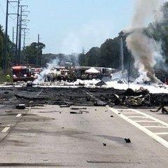 Страшна авіакатастрофа сталася біля аеропорту у США: багато загиблих