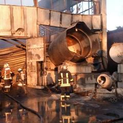 Пожежу на складах із шинами під Києвом загасили