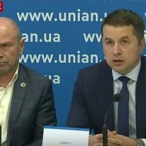 Адвокат чеченців звинуватив у конфлікті Найєма, але запропонував гроші