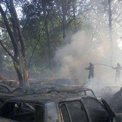 У Києві на стоянці згоріло 20 автомобілів