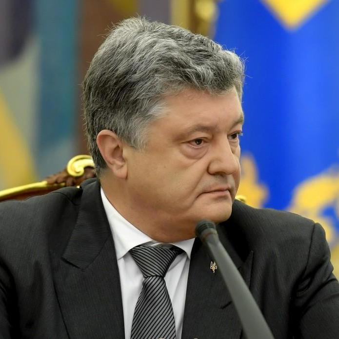 Порошенко пообіцяв Антикорупційний суд уже у травні