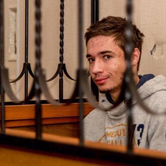 Росіяни ізолювали Павла Гриба, вибивають зізнання – батько