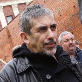 У Латвії суд арештував активіста, що захищав російські школи
