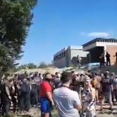 Біля будинку Льовочкіна в Козині сталася бійка між активістами «Нацкорпусу» і правоохоронцями