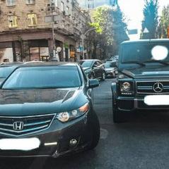 Напад на Найєма: нападник вимагає зняти арешт з його Mercedes
