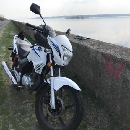 У брата Наєма під час судового засідання в Києві вкрали мотоцикл