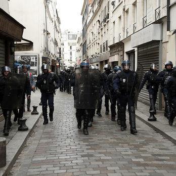У Парижі на перехожих напав озброєний ножем чоловік, є загиблий – поліція