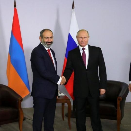 Новий прем'єр Вірменії заявив Путіну, що хоче тісніших військових зв'язків з РФ