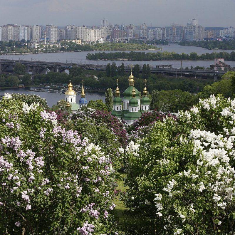 У Києві завтра без опадів, температура до +25°