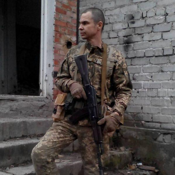 На Донбасі від кулі снайпера загинув український доброволець, який воював у Пісках (фото)