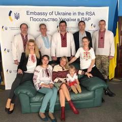 Українці всього світу святкують День вишиванки (фото)