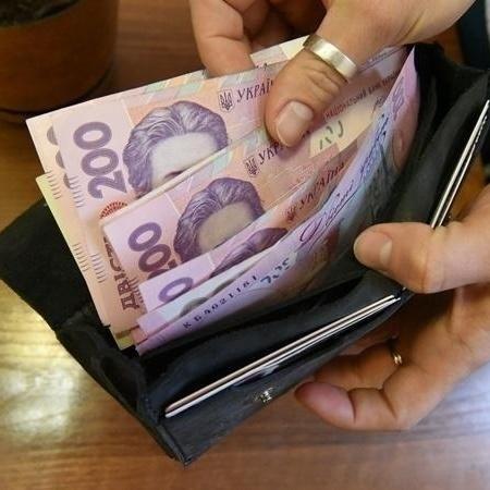 Вчені: низька зарплата веде до смертоносного захворювання мозку