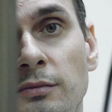 Французькі режисери просять Макрона посприяти звільненню Сенцова