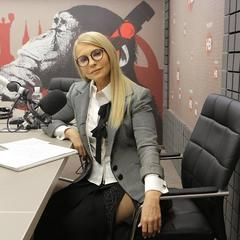 «Не вистачає лише батога»: Юлія Тимошенко оголила стегно і викликала гарячі суперечки в мережі (фото)