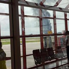 На Кубі розбився пасажирський літак: на борту знаходилися 107 осіб