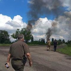 Обстріл околиць Торецька триває, є поранені серед військових