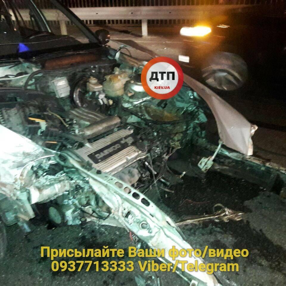 У Києві сталась ДТП, яка спричинила затор на Північному мосту (фото)