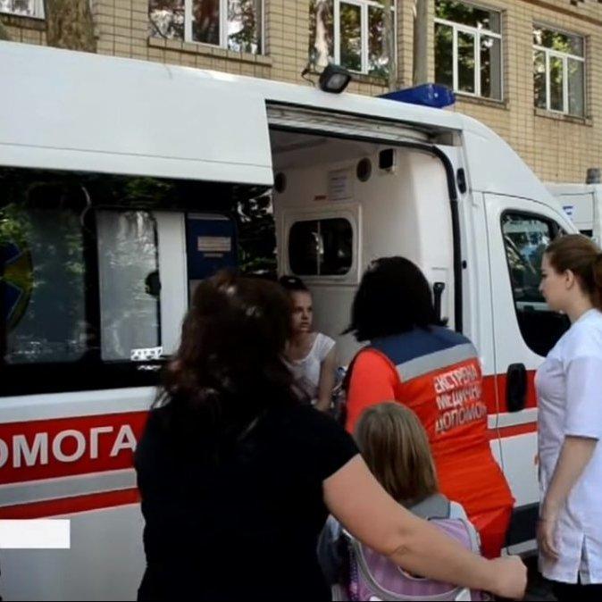 У лікарні в Миколаєві на обстеженні залишаються 29 дітей, – ДСНС