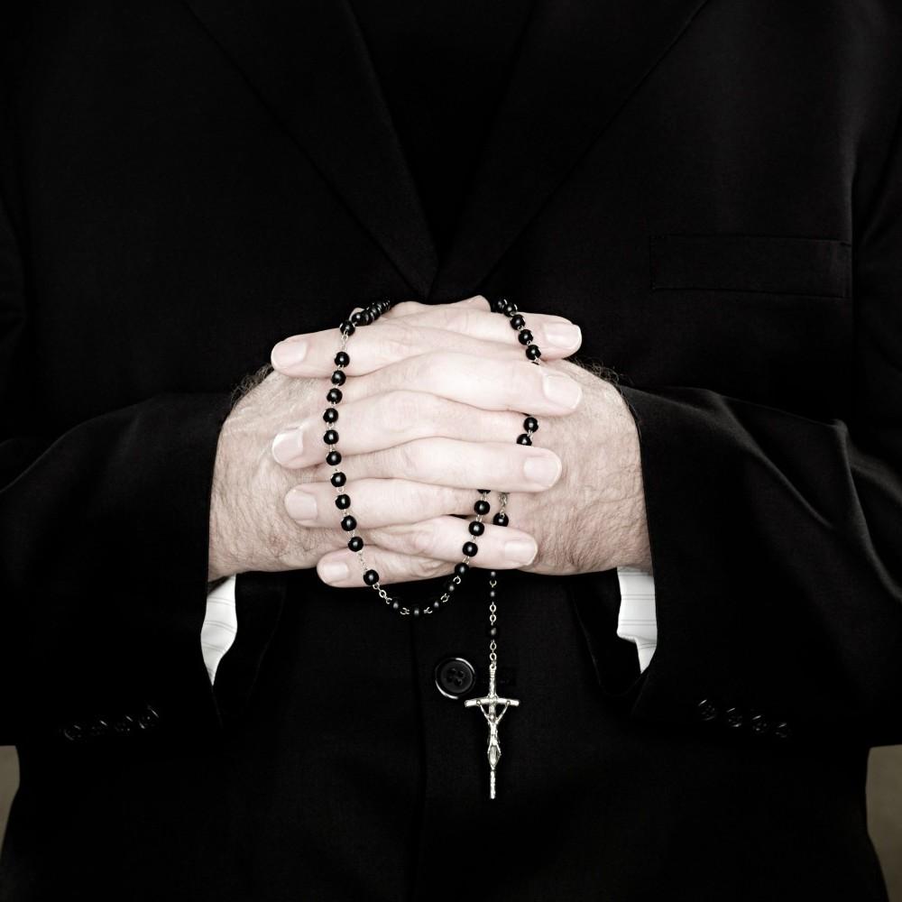 У Чилі за сексуальні домагання усунули 14 священиків
