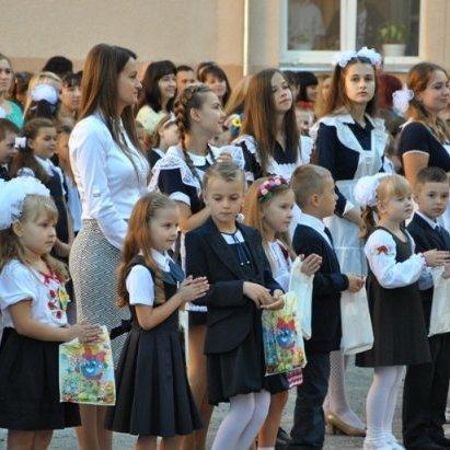 В Україні не будуть скасовувати лінійки та випускні через масові отруєння школярів, - МОН