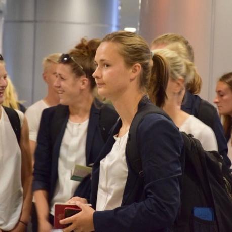 До Києва прилетіли жіночі команди фіналу ЛЧ і перші 500 фанів