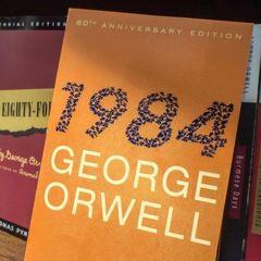 100 літературних сюжетів, які змінили історію людства