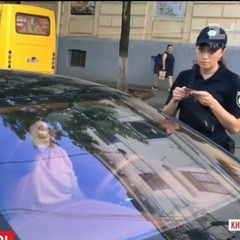 Крив матом і крутив дулі: у Києві спіймали автохама на Bentley (відео)