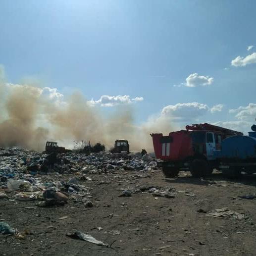 У Миколаєві загорілося міське сміттєзвалище (фото, відео)