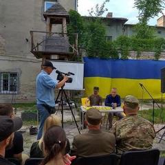 На Тернопільщині усі школи отримають посібник з військово-патріотичного виховання молоді